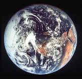 earth.jpg (5744 bytes)